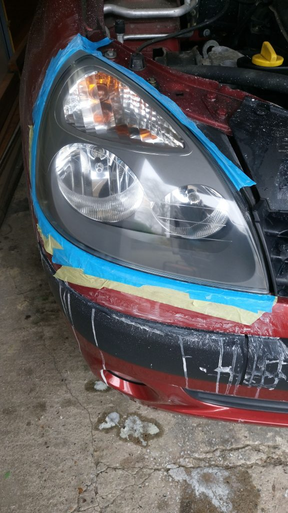 Renault Clio cloudy/yellow headlight Surrey - After